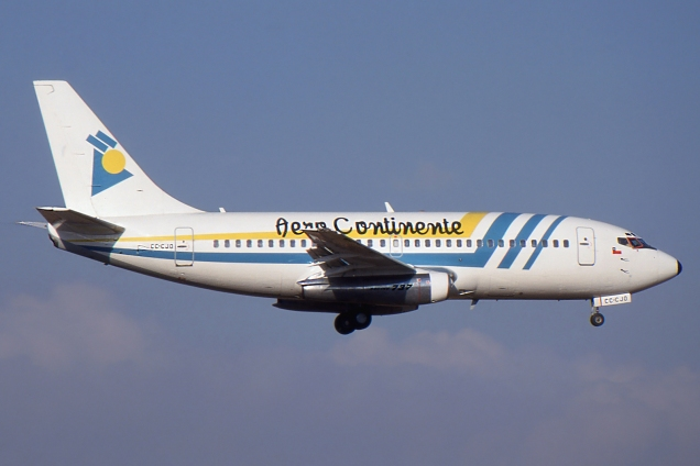 Boeing 737-200 - Aero Continente - CC-CJO - Chile Mars 2000 - Photo copyright: Gilles Brion