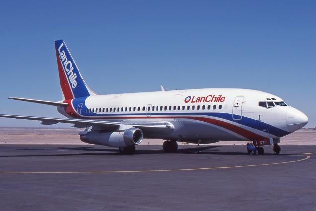 Boeing 737-200 - LAN Chile - CC-CYP - Chile Septembre 1998 - Photo copyright: Gilles Brion