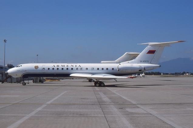 Tupolev 134A-3 - Armenia government - EK-65072 - Genève GVA/LSGG Août 2000 - Photo copyright: Gilles Brion