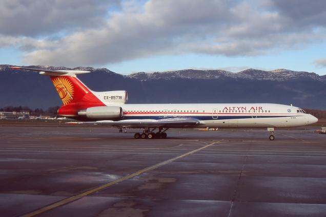 Tupolev 154M - Altyn Air - EX-85718 - Genève GVA/LSGG Janvier 2004 - Photo copyright: Gilles Brion