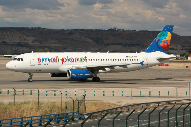 A320 - Small Planet - LY-SPB - Madrid MAD/LEMD - 15.06.2015 - Photo copyright: Gilles Brion