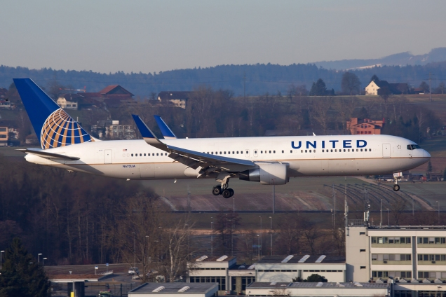 Boeing 767-300ER - United Airlines - N672UA - Zurich ZRH/LSZH 12.03.2015 - Photo: Remo Garone