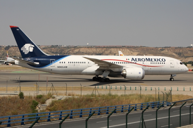 Boeing 787-8 Dreamliner - Aeromexico - N965AM - Madrid MAD/LEMD - 28.06.2015 - Photo copyright: Gilles Brion