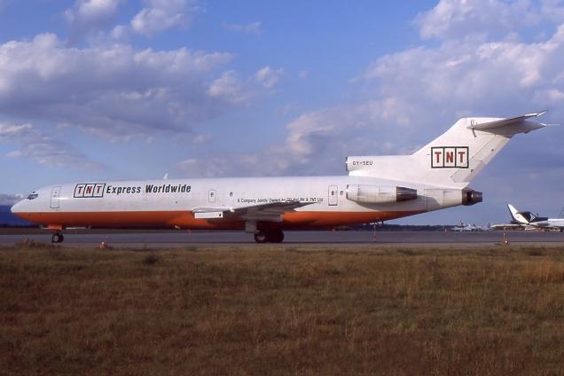 Boeing 727-200F - TNT - OY-SEU - Genève GVA/LSGG Décembre 1997 - Photo copyright: Gilles Brion