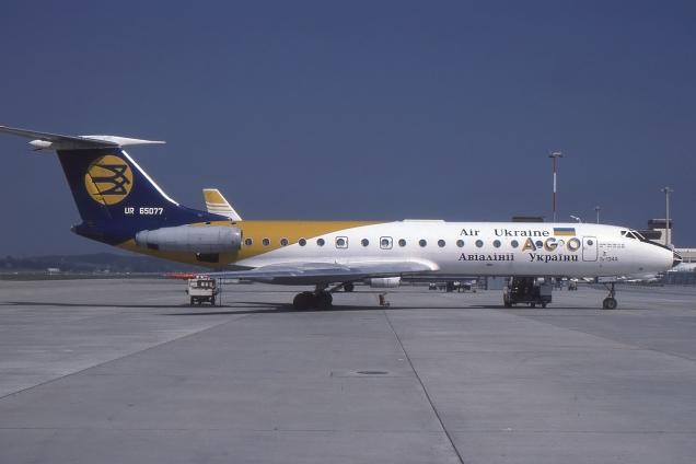 Tupolev 134 - Air Ukraine - UR-65077 - Genève GVA/LSGG Janvier 2002 - Photo copyright: Gilles Brion