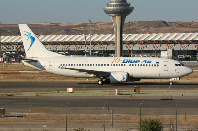 Boeing 737-377 - Blue Air - YR-BAC - Madrid MAD/LEMD - 17.06.2015 - Photo copyright: Gilles Brion